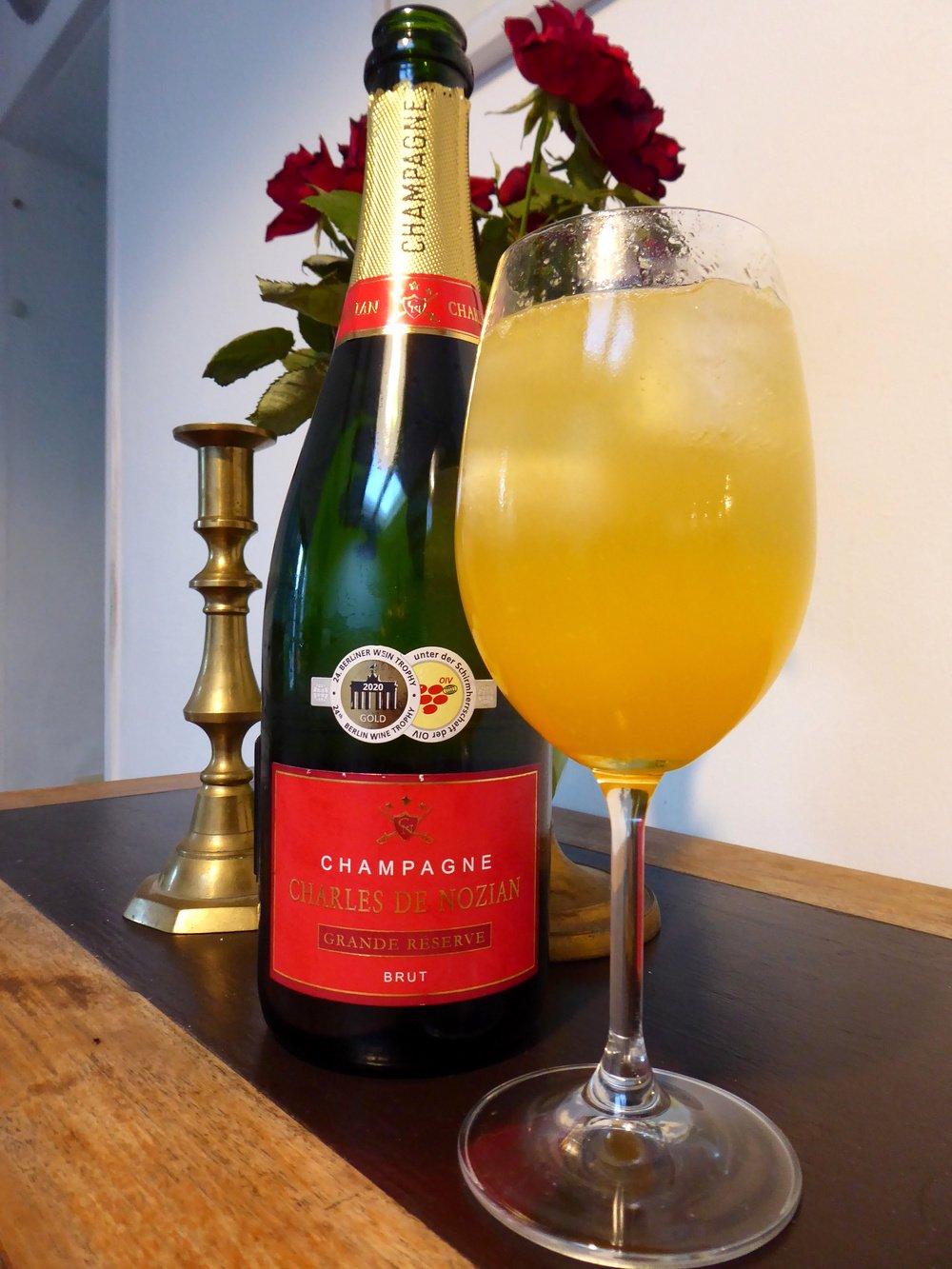Netto Champagner Charles de Nozian Brut als Punch Romaine